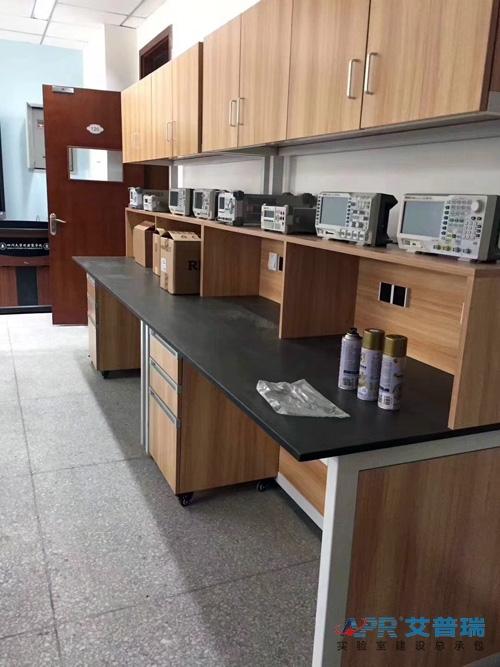 四川大学匹兹堡学院实验室建设